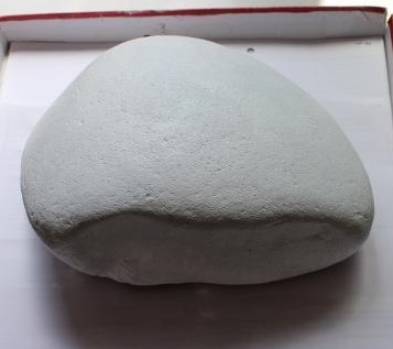 Отмытая от грязи и пыли заготовка для декупажа на камнях